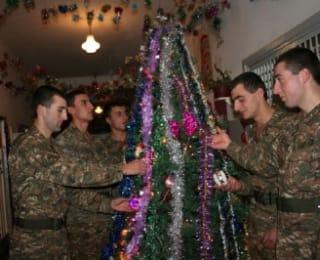 Շնորհավոր Ամանորդ, հայ զինվոր